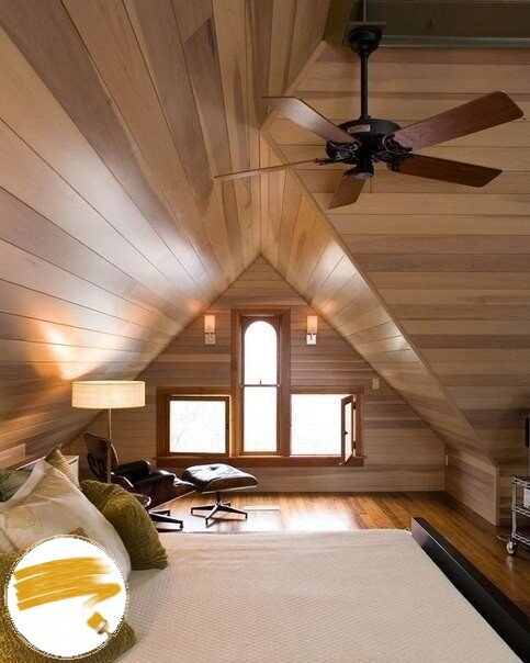 Деревянный потолок на чердаке