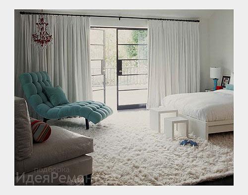 Увеличить маленькую комнату: Длинные шторы