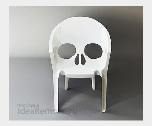 На фото: дизайнерские пластиковые стулья