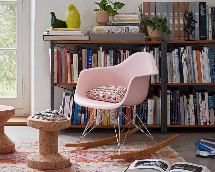 Пластиковое кресло-качалка