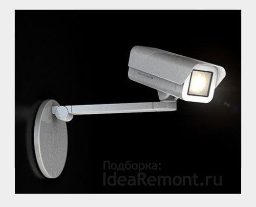 На фото: светильники-камеры слежения - забавная обманка в интерьере