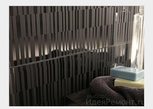 На фото: стеклянные декоративные элементы на стенах