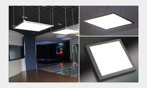 На фото: потолочные светодиоднее освещение