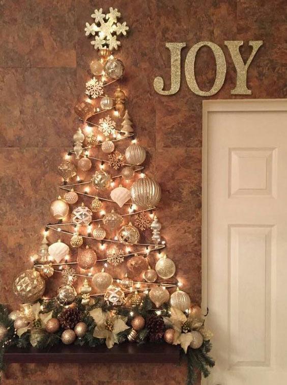 Настенная блестящая елка