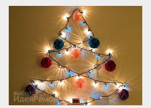 На фото: настенная елка-гирлянда украсит стены на Новый Год