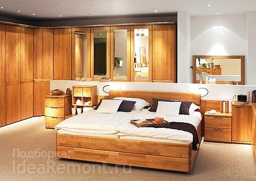 На фото: в квартире важно осветить и потолок и все углы и ниши