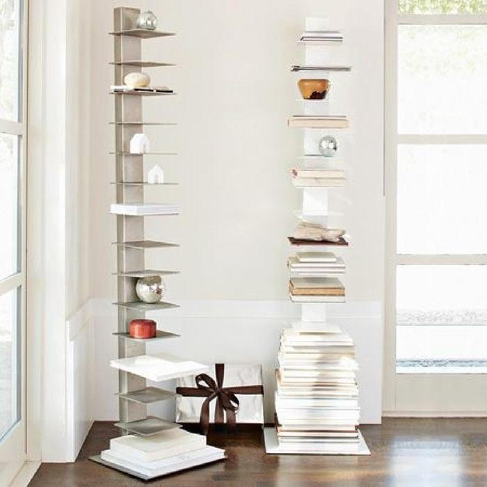 самая простая угловая мебель - напольные стойки с полками