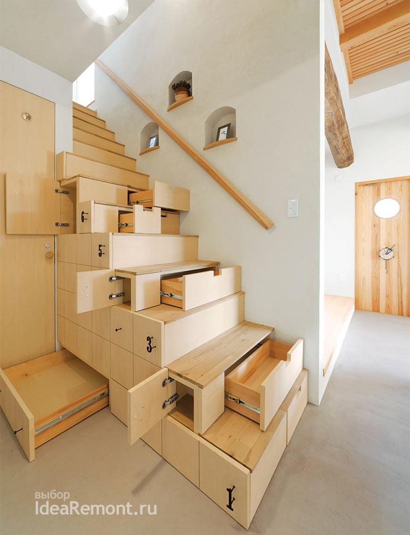 Лестница с боковыми ящиками для хранения