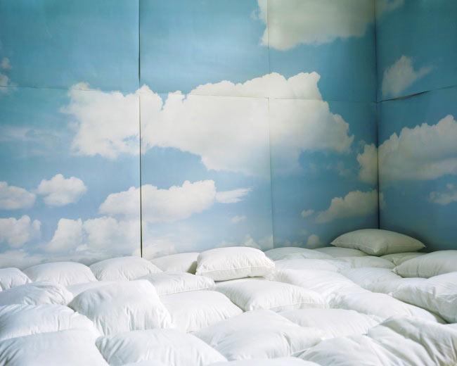 Просто участок с подушками