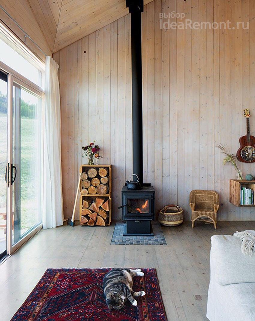Печка буржуйка в летнем домике