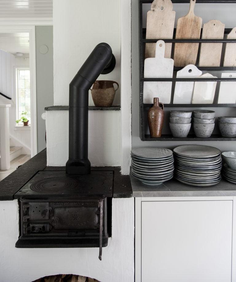 Печку буржуйка вмурованная в кухонный блок