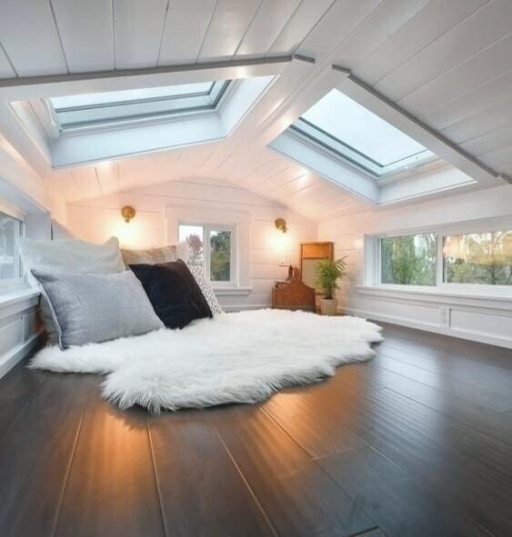 Чердак с окнами - место обитания настоящего романтика