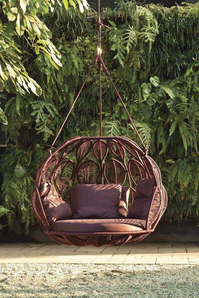 Плетеное подвесное кресло для отдыха на даче