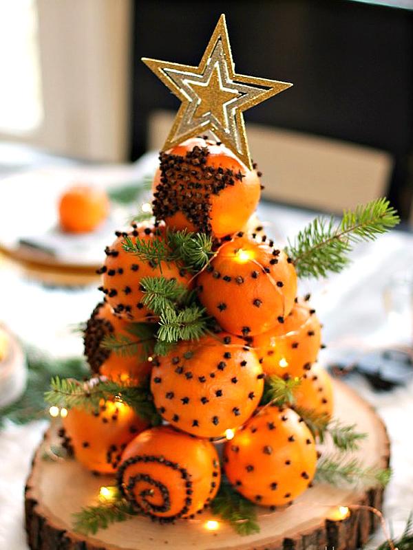 Новогодняя елка из апельсинов