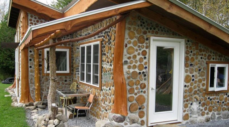 Дачный дом из глины и дров